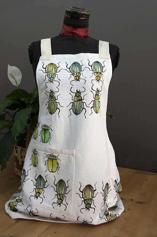 Apron hemp white beetles1