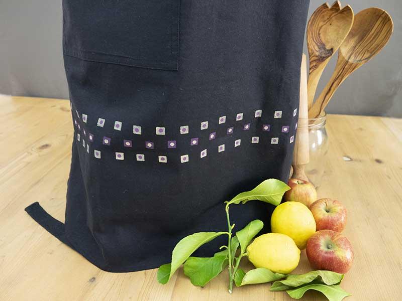 Black polka dot cotton apron4