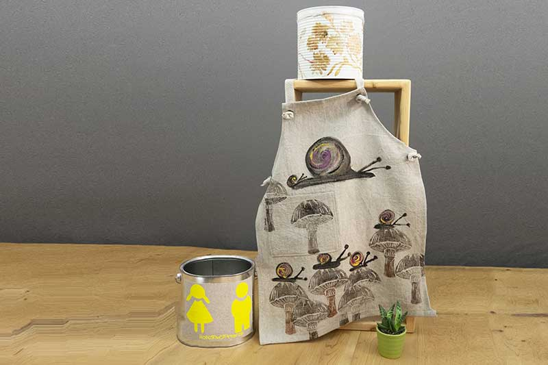 apron-kitchen-baby-fungus-and-snails