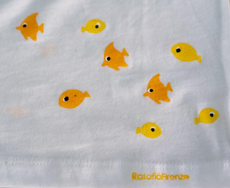 T-shirt-child-fish-yellow-D-R